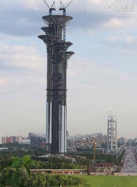 北京奥林匹克公园新地标塔被指像5根钉子
